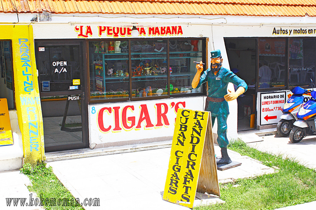 Los Cubanos... I don't know if they sell real Cubans or not. I didn't buy any.
